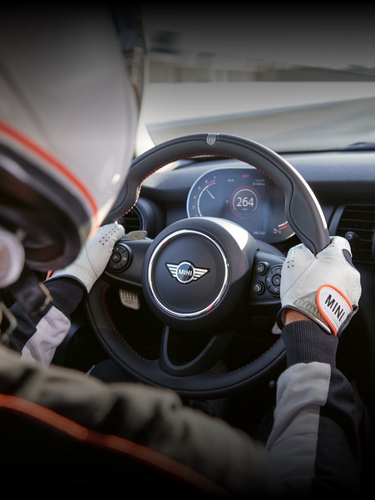 MINI John Cooper Works GP – volante - cockpit
